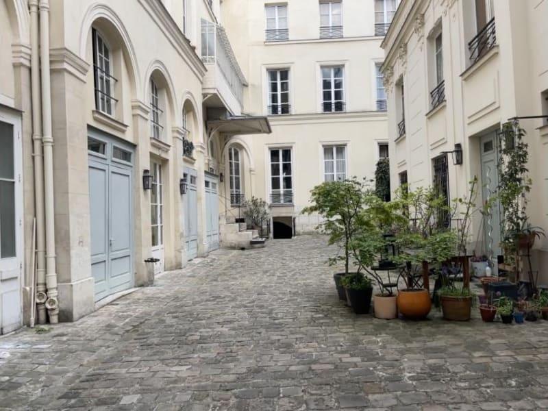 Rental apartment Paris 10ème 1460€ CC - Picture 1