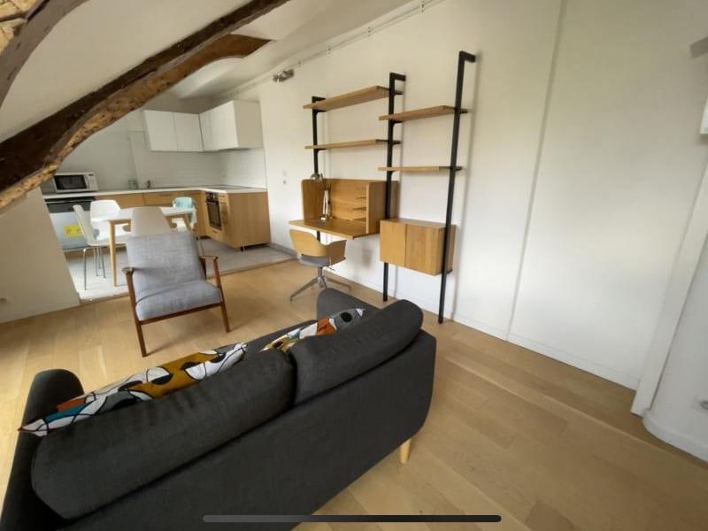 Rental apartment Paris 10ème 1460€ CC - Picture 2
