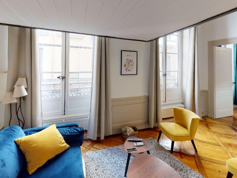 Rental apartment Lyon 2ème 1090€ CC - Picture 1