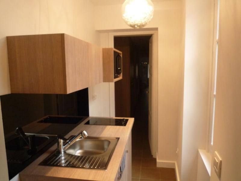 Rental apartment Lyon 2ème 820€ CC - Picture 3