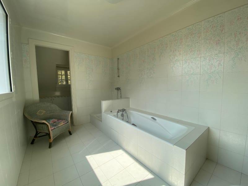 Sale house / villa Lamorlaye 1070000€ - Picture 12