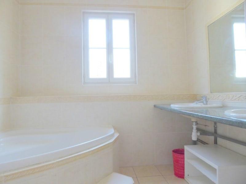 Sale house / villa Salles-d'angles 422000€ - Picture 18