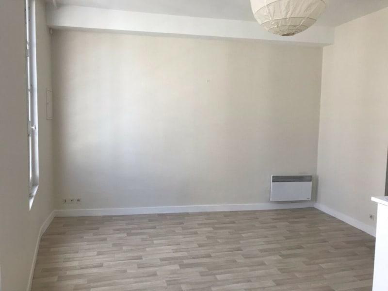 Rental apartment Cognac 72€ CC - Picture 1