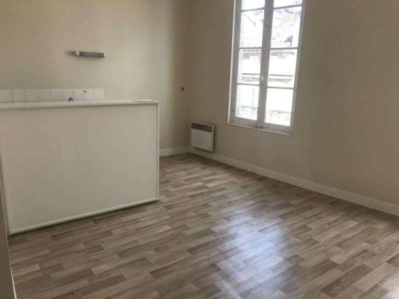Rental apartment Cognac 72€ CC - Picture 4