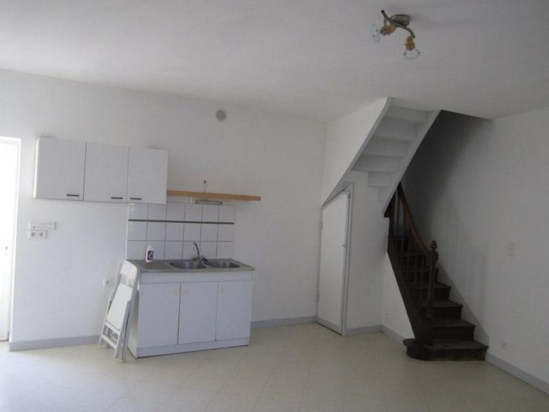 Rental apartment Barbezieux-saint-hilaire 330€ CC - Picture 2
