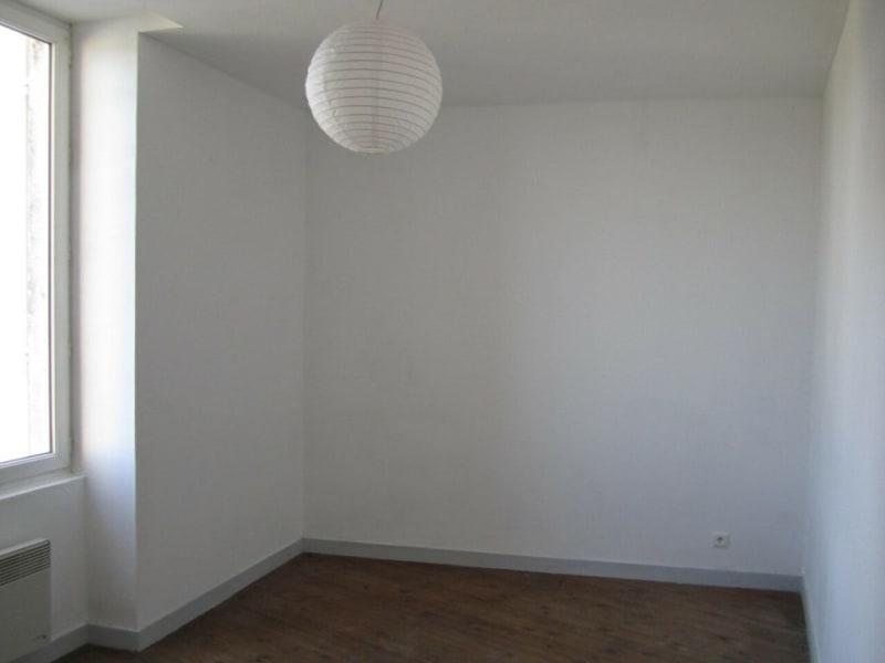 Rental apartment Barbezieux-saint-hilaire 330€ CC - Picture 3