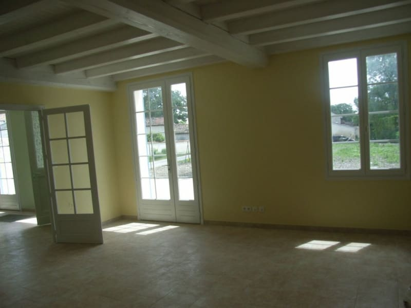 Rental house / villa Guimps 774€ CC - Picture 3
