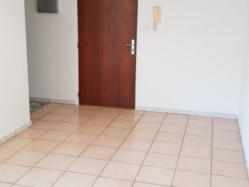 Location appartement St denis 580€ CC - Photo 2