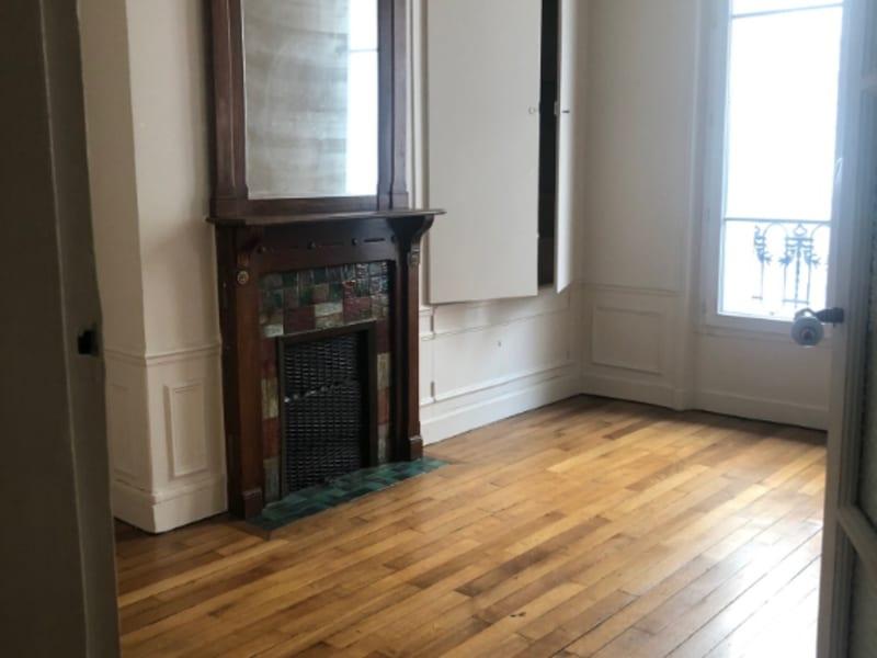 Rental apartment Paris 15ème 1585,37€ CC - Picture 2