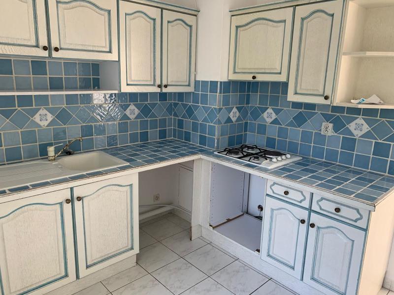 Rental apartment Aix en provence 950€ CC - Picture 1