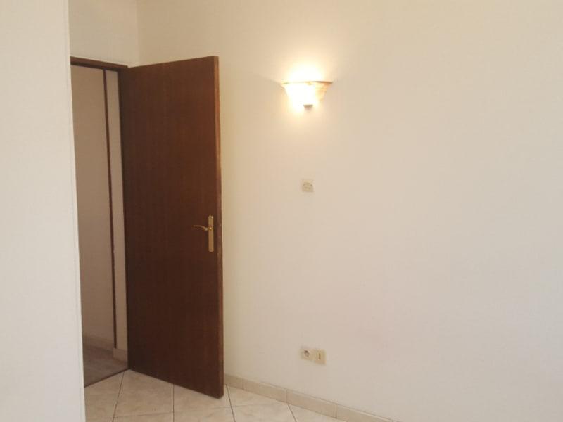 Location appartement Poissy 650€ CC - Photo 4