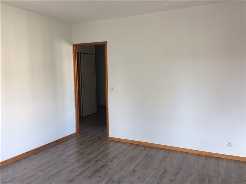 Location appartement La roche-sur-foron 676€ CC - Photo 2