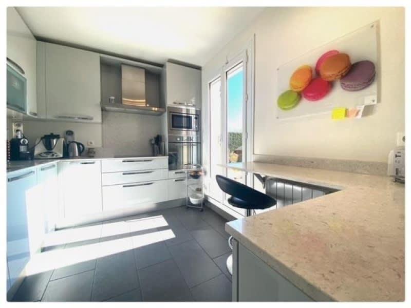 Sale house / villa Le mesnil le roi 790000€ - Picture 2