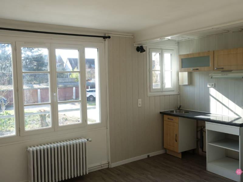 Rental apartment Poissy 644€ CC - Picture 1