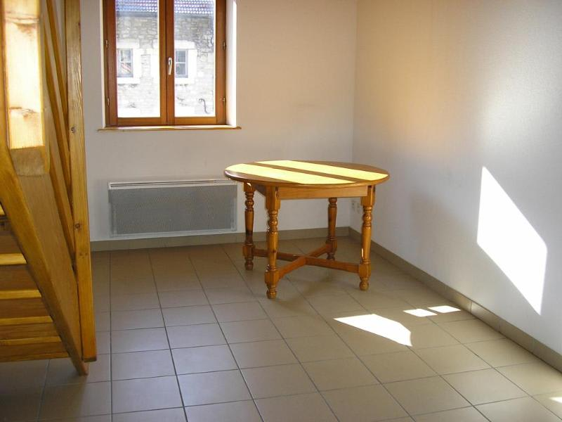 Rental apartment Nantua 345€ CC - Picture 1