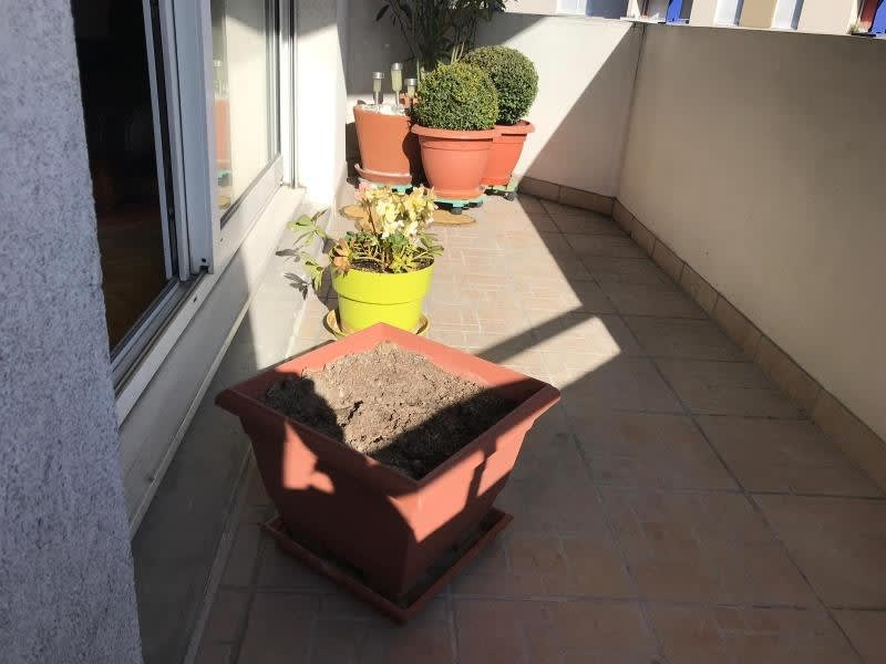 Location appartement Cluses 930€ CC - Photo 3