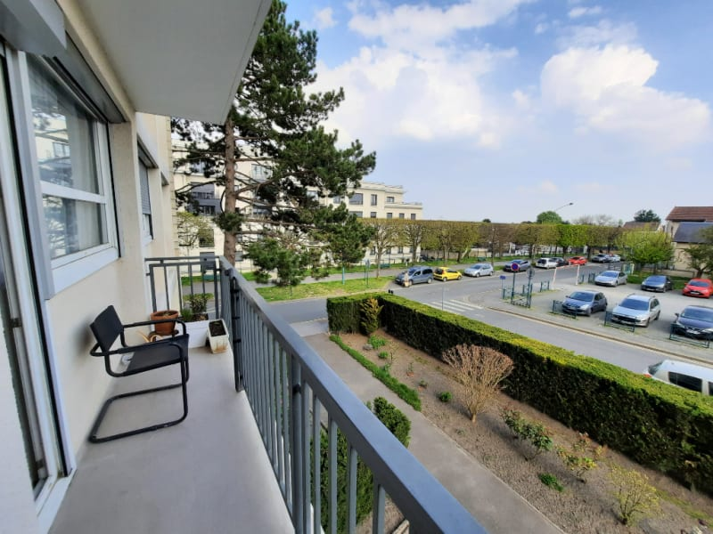 Sale apartment Pontoise 220000€ - Picture 1