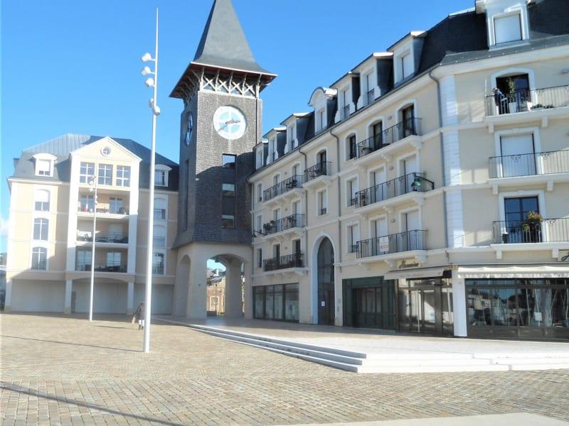 Sale apartment Deauville 846500€ - Picture 2