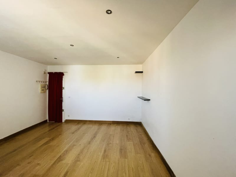 Sale apartment Villemomble 110000€ - Picture 2