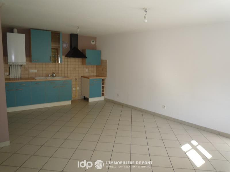 Location appartement Cremieu 720€ CC - Photo 1