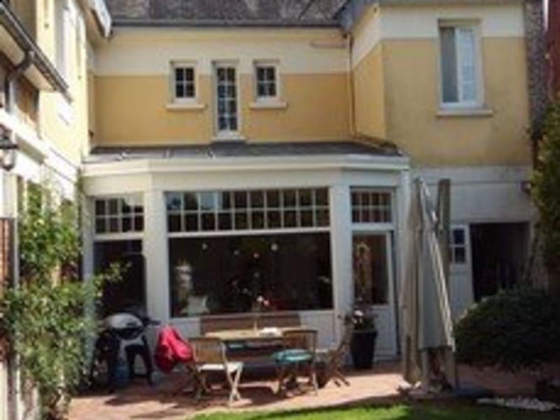 Sale house / villa Aumale 299000€ - Picture 1