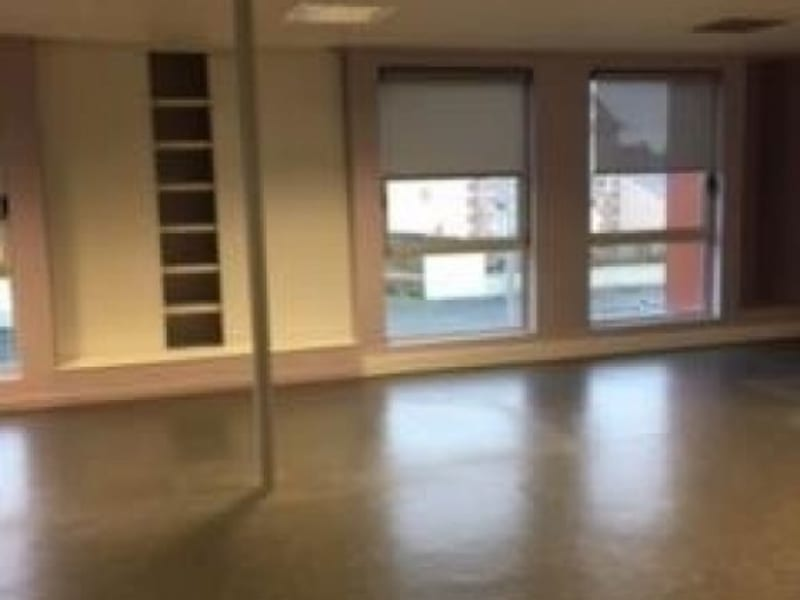 Location local commercial Cholet 2950€ HC - Photo 2
