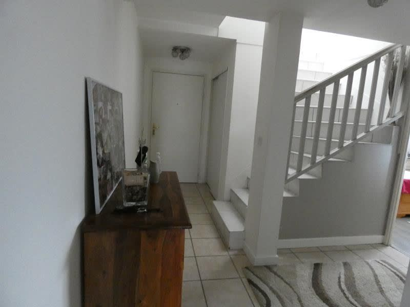 Sale apartment Scionzier 185000€ - Picture 2