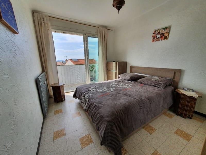 Vendita appartamento Hyeres 165800€ - Fotografia 8