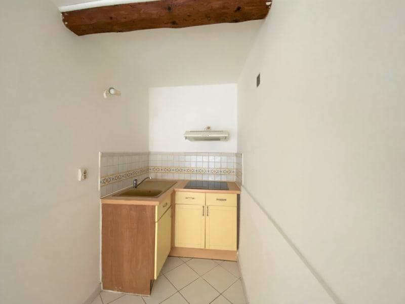 Rental apartment Villeneuve les avignon 330€ CC - Picture 2