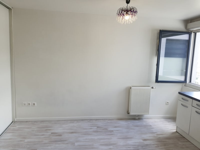 Location appartement Fresnes 620€ CC - Photo 3