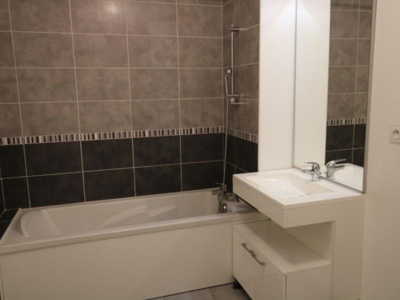 Rental apartment Bonneville 755€ CC - Picture 3
