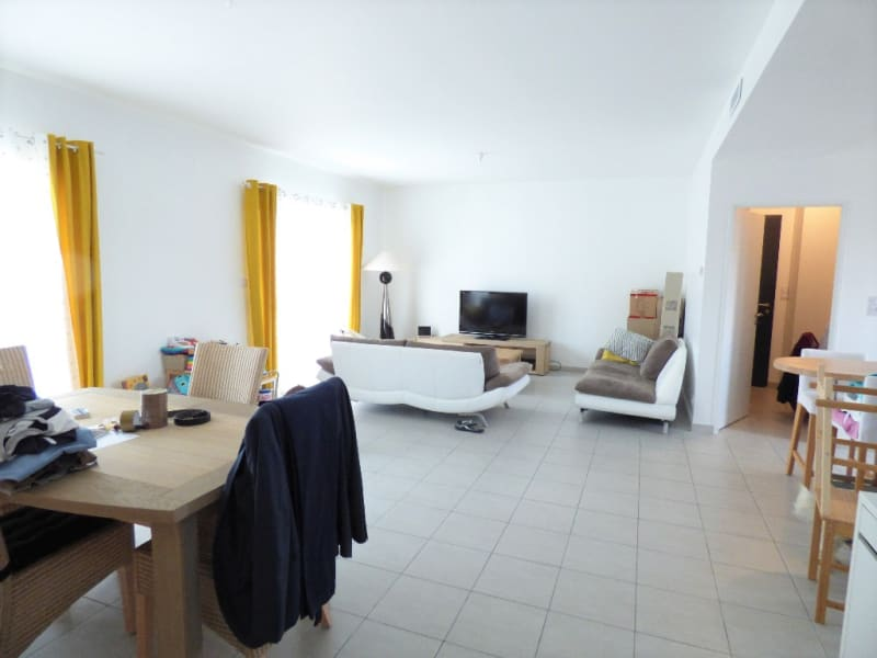 Location maison / villa Izon 1 097€ CC - Photo 2