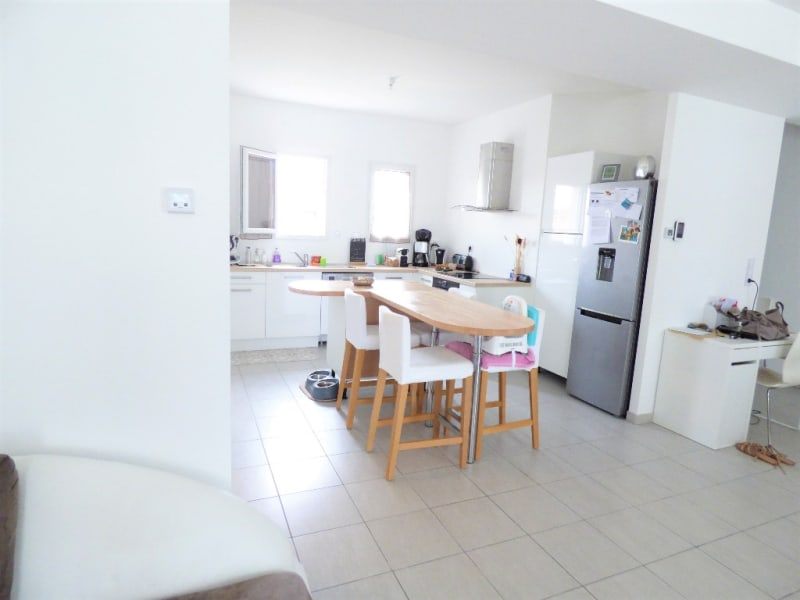 Location maison / villa Izon 1 097€ CC - Photo 3