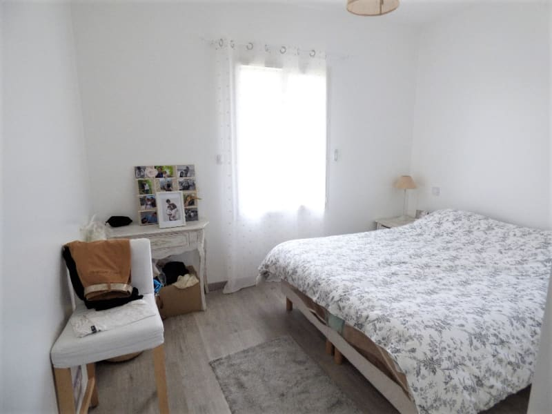 Location maison / villa Izon 1 097€ CC - Photo 6