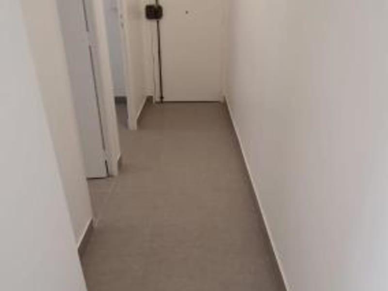 Location appartement Paris 10ème 1335€ CC - Photo 5