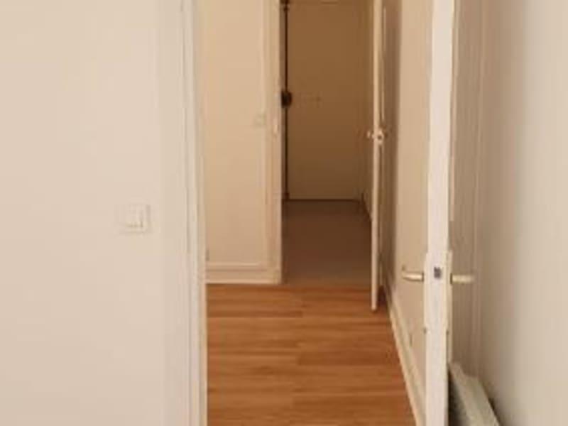 Location appartement Paris 10ème 1335€ CC - Photo 9