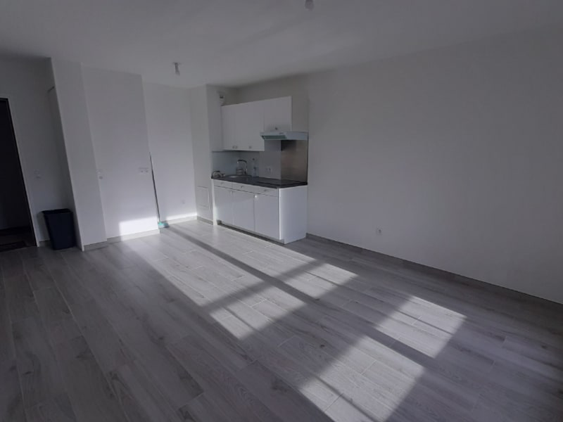 Rental apartment Pontoise 880€ CC - Picture 2