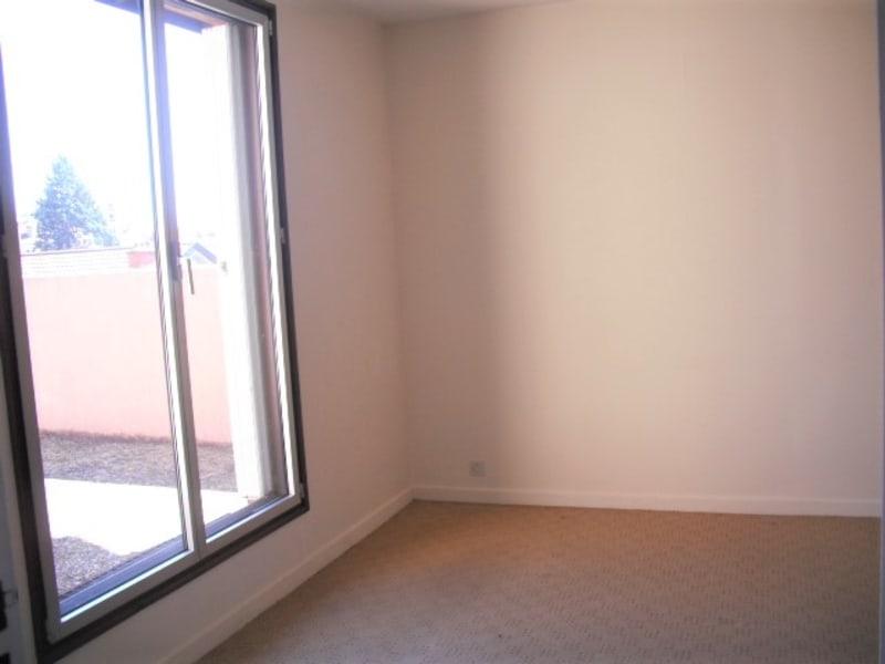 Location appartement Villefranche sur saone 760€ CC - Photo 2