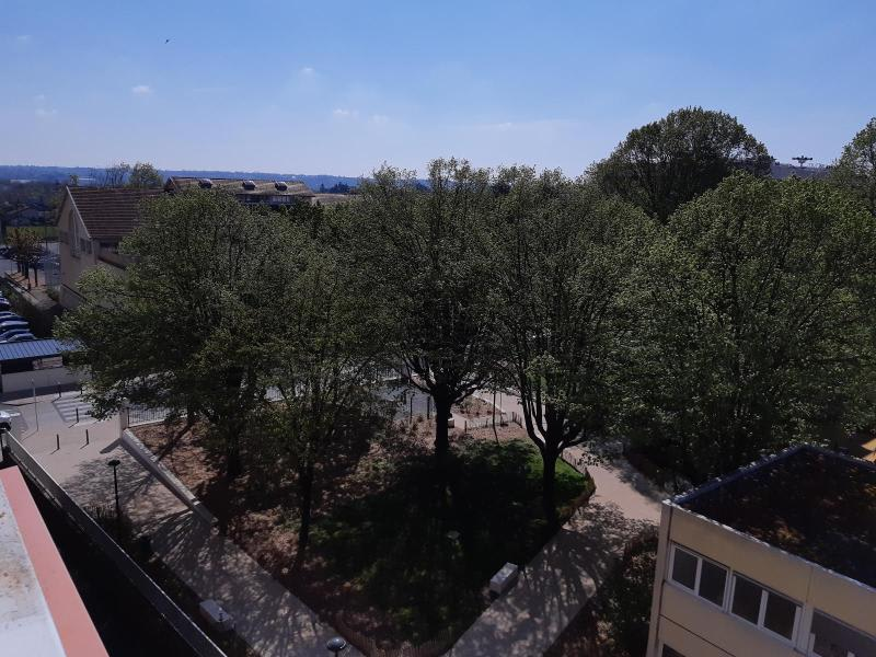 Location appartement Villefranche sur saone 800€ CC - Photo 4