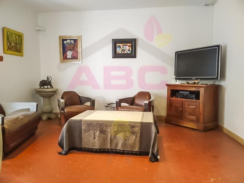 Sale house / villa Puyloubier 273000€ - Picture 3
