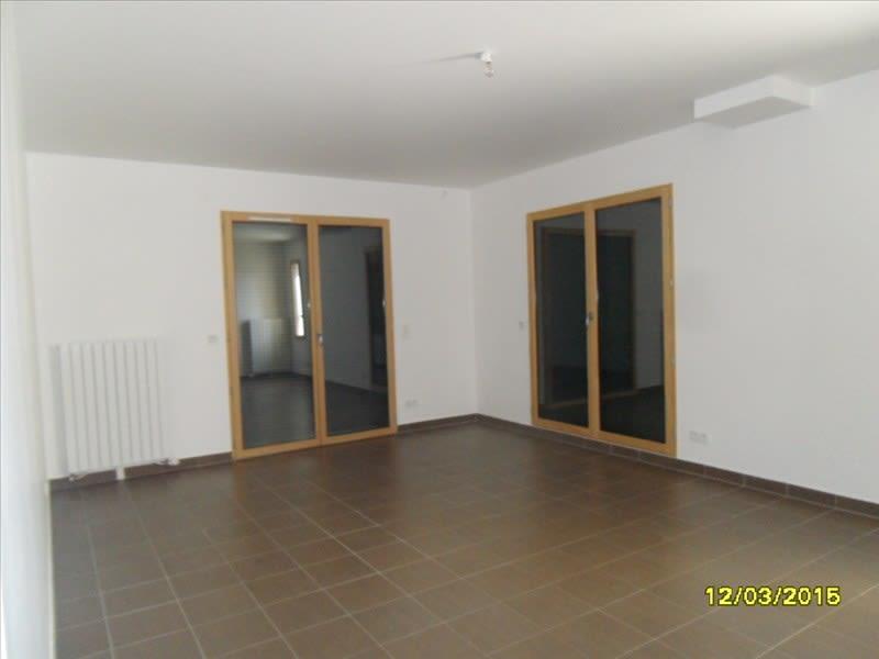 Location maison / villa Montereau fault yonne 935,69€ CC - Photo 2