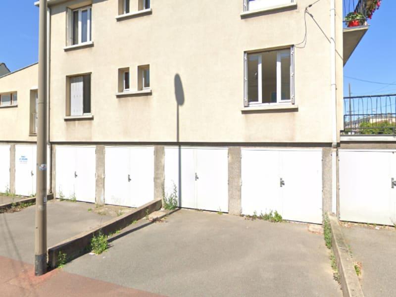 Rental parking spaces Franconville 152€ CC - Picture 1