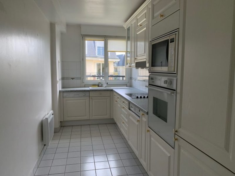 Rental apartment Le plessis-robinson 1537€ CC - Picture 3