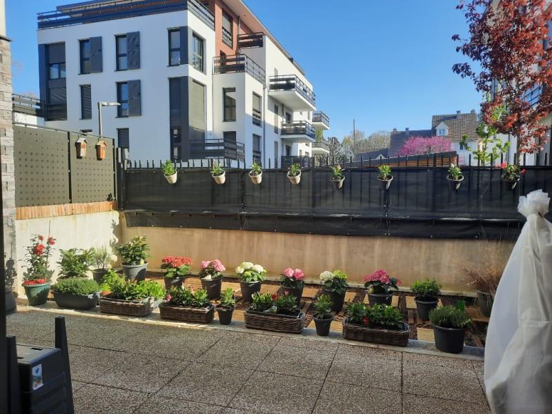 Sale apartment Pontoise 289000€ - Picture 2