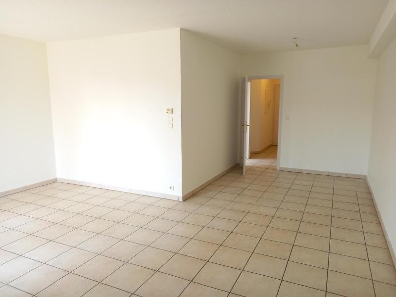 Location appartement Villefranche 851,50€ CC - Photo 3