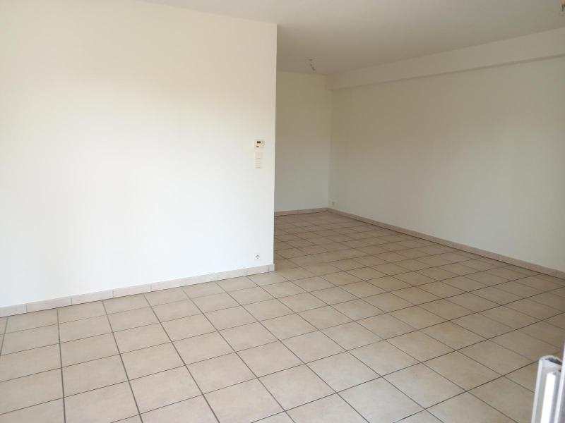 Location appartement Villefranche 851,50€ CC - Photo 5
