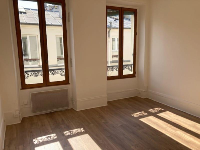 Rental apartment Paris 7ème 890€ CC - Picture 2