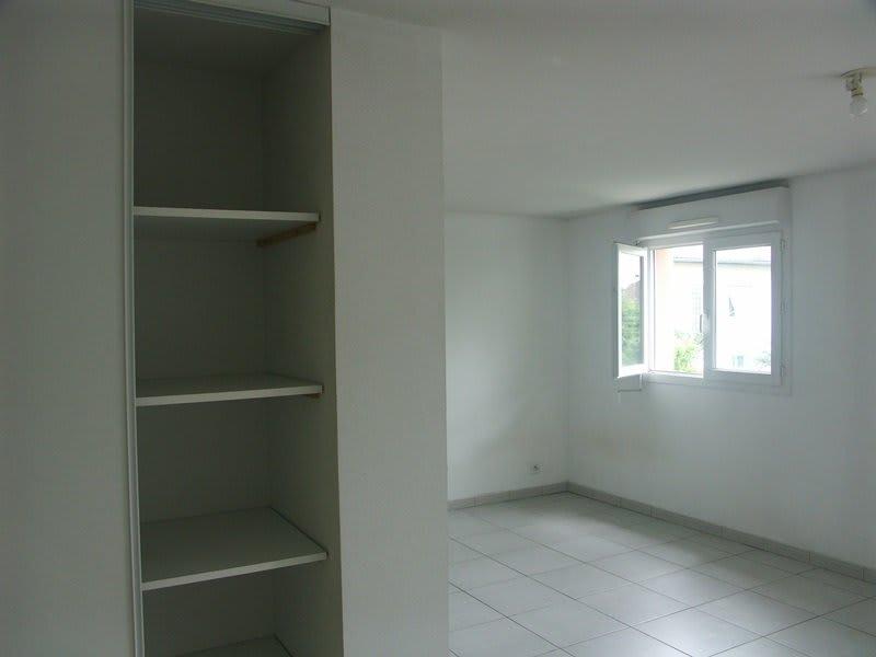 Rental apartment Tarbes 383€ CC - Picture 3