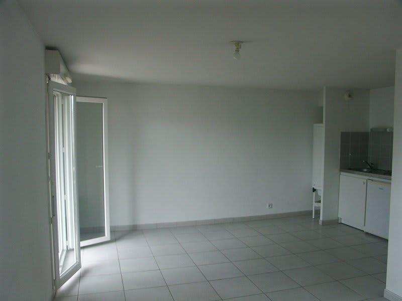 Rental apartment Tarbes 383€ CC - Picture 6