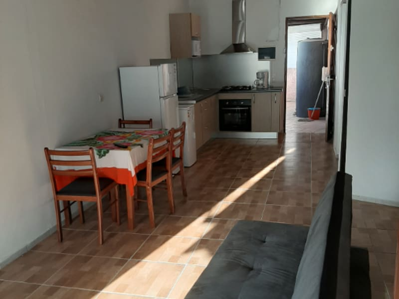 Location appartement Saint francois 750€ CC - Photo 1